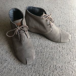 Toms wedge booties desert taupe size 9.5